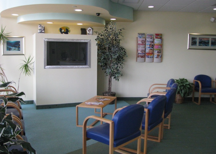 The waiting room of pediatric dentist Dr. John Bazos in Coral Springs, FL